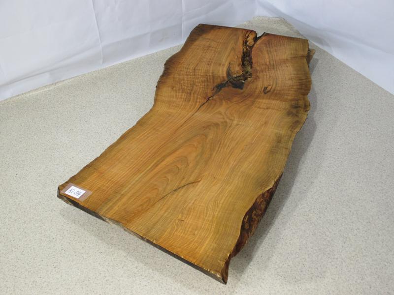 tischplatte artikel k 001 04 ein eichentisch aus massivem stammholz. Black Bedroom Furniture Sets. Home Design Ideas