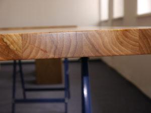 Seitenansicht Tischplatte Rüster